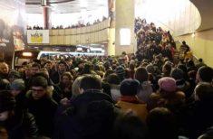 Noi defectiuni la metrou! Azi dimineata, calatorii s-au călcat în picioare în statia Piata Victoriei!