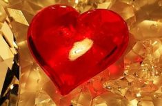 4 Cristale pe care să le porți de Ziua Îndrăgostiților pentru atrage dragostea în  viața ta