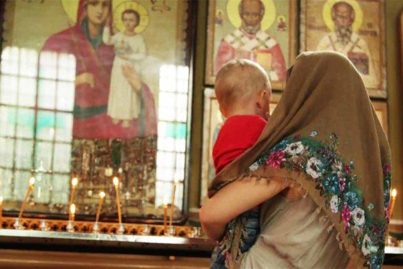 rugaciune pasti copil 585x390 - Cea mai frumoasa rugaciune de Paste pentru copilul tau!