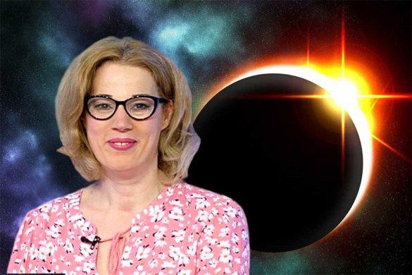 eclipsa luna iulie 2020 585x390 - SPECIAL: Eclipsa lunară din 5 iulie-Cea mai mare schimbare energetică din 2020